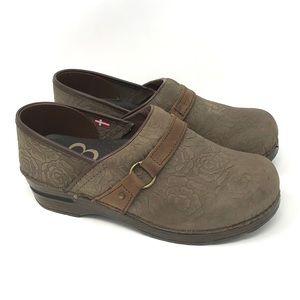 Sanita Brown Leather Tooled Clogs 38 US 7-7.5